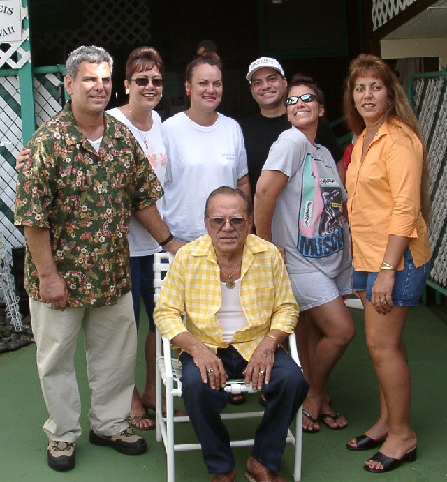 Jerry, Doreen, Donna, Kaipo, Debbie, Darlene & Dad