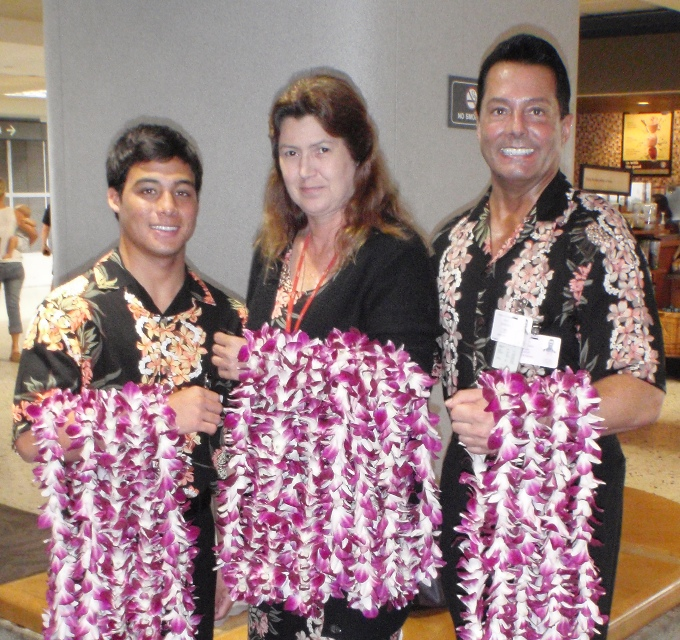 CLICK HERE FOR YOUR ~ AIRPORT LEI GREETING SERVICE